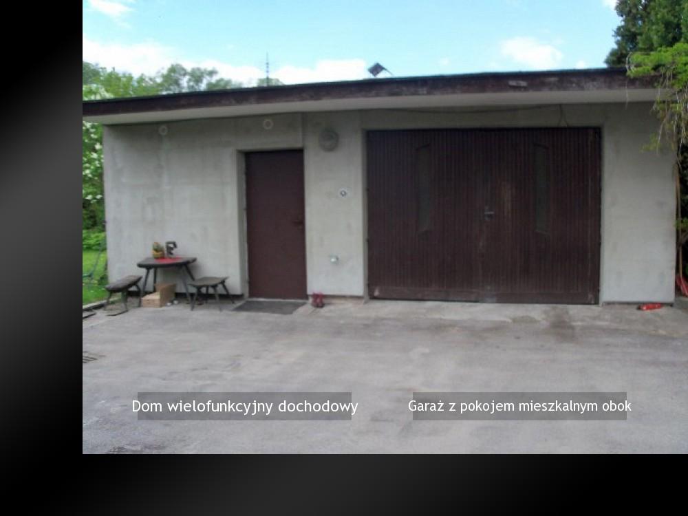 Garaż z pokojem mieszkalnym obok