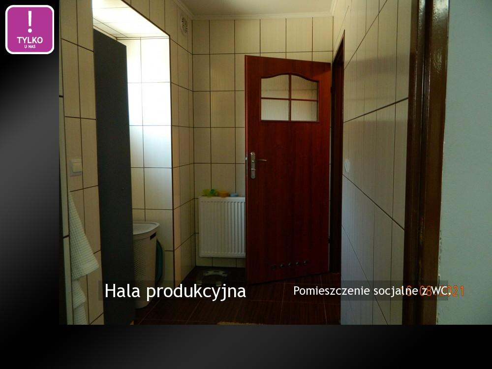 Pomieszczenie socjalne z WC.